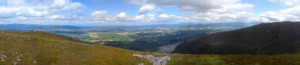 Panormaic, from the Galtees (left) t the Comeraghs (right), with Slievenamon too.