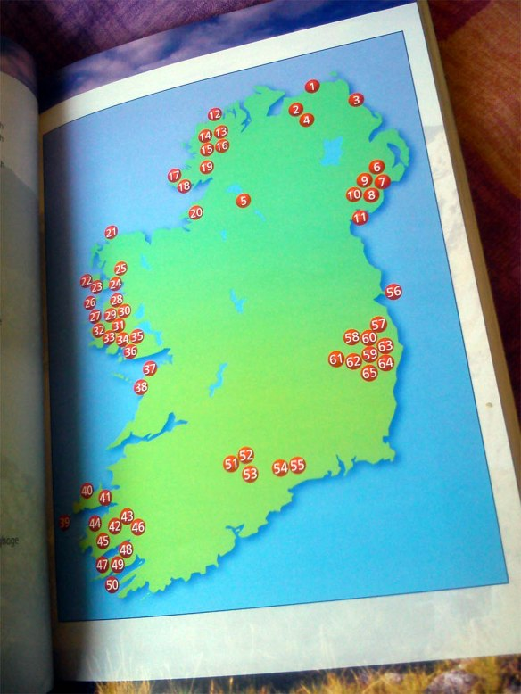 Ireland's best walks: a walking guide Helen Fairbairn - Collins - 2014 http://amzn.to/1B0coiA